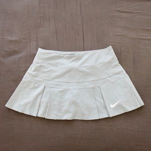 NWOT Nike Womens Skirt Skort Pleated Rare Color